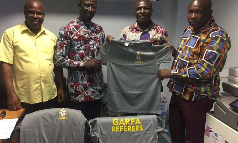 C7E1236B 289A 40B6 9D5A 151A00CFDC76 780x470 - GARFA presents warm-up jerseys to Greater Accra referees in the Division 2 league
